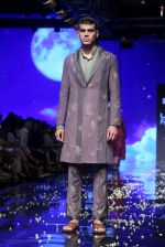 Model walk the ramp at Lakme Fashion Week 2019 Day 2 on 22nd Aug 2019 (133)_5d5f997c0c751.JPG