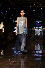 Model walk the ramp at Lakme Fashion Week 2019 Day 2 on 22nd Aug 2019 (20)_5d5f9828b9e55.JPG