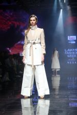 Model walk the ramp at Lakme Fashion Week 2019 Day 2 on 22nd Aug 2019 (7)_5d5f982a1e677.JPG