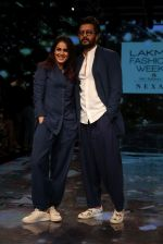 Riteish Deshmukh With His Wife at Lakme Fashion Week 2019 on 22nd Aug 2019 (7)_5d5f8edc28b78.JPG