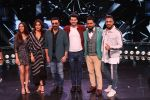 Sunny Deol, Karan Deol,  Saher Bamba, Kareena Kapoor on the sets of Dance India Dance at filmcity in goregoan on 22nd Aug 2019 (55)_5d5fa14f4663a.JPG