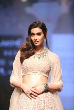 Diana Penty At Lakme Fashion Show Day 3 on 23rd Aug 2019 (4)_5d60ea2a6378f.JPG