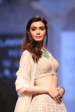 Diana Penty At Lakme Fashion Show Day 3 on 23rd Aug 2019 (6)_5d60ea2e72774.JPG