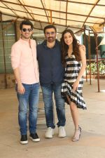 Karan Deol,  Sunny Deol, Saher Bamba at the promotion of film Pal Pal Dil Ke Pass in Sun n Sand on 23rd Aug 2019 (31)_5d60f97382f37.JPG