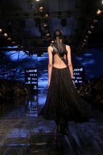 Model walk the ramp for Ritu Kumar at Lakme Fashion Week Day 3 on 23rd Aug 2019 (40)_5d60f2e71bf76.JPG