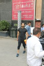 Shahid Kapoor, Mira Rajput & Misha spotted at juhu on 23rd Aug 2019 (14)_5d60f268c6f44.JPG