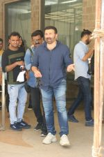 Sunny Deol at the promotion of film Pal Pal Dil Ke Pass in Sun n Sand on 23rd Aug 2019 (13)_5d60f91cd2d34.JPG