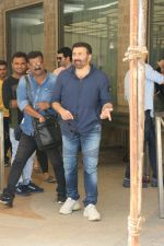Sunny Deol at the promotion of film Pal Pal Dil Ke Pass in Sun n Sand on 23rd Aug 2019 (14)_5d60f92193e38.JPG