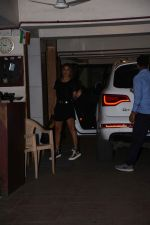 Amrita Arora spotted at Kareena Kapoor_s house in bandra on 23rd Aug 2019 (33)_5d6249f7af37f.JPG