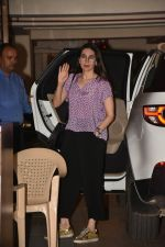 Karishma Kapoor spotted at Kareena Kapoor_s house in bandra on 23rd Aug 2019 (20)_5d624a5ddce72.jpg