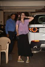 Karishma Kapoor spotted at Kareena Kapoor_s house in bandra on 23rd Aug 2019 (27)_5d624a6d43773.jpg