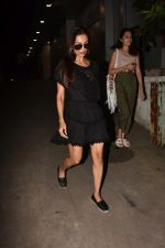 Malaika Arora spotted at Bandra on 24th Aug 2019 (4)_5d624abed5049.jpg