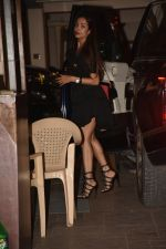 Malaika Arora spotted at Kareena Kapoor_s house in bandra on 23rd Aug 2019 (7)_5d624acd0722c.jpg
