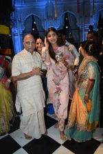 Shilpa Shetty with family at the janmashtami celebration at Iskon temple juhu on 23rd Aug 2019 (68)_5d62521bb2061.JPG