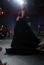 Rhea Chakraborty Walks For Ambika Lal At LFW 2019 on 24th Aug 2019 (24)_5d6388e414fdf.JPG