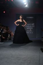 Rhea Chakraborty Walks For Ambika Lal At LFW 2019 on 24th Aug 2019 (4)_5d6388bc0f75e.JPG