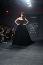 Rhea Chakraborty Walks For Ambika Lal At LFW 2019 on 24th Aug 2019 (6)_5d6388c03d710.JPG