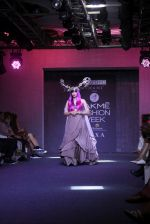 Adah Sharma walk the ramp for Pinkey Agarwal at LFW 2019 on 24th Aug 2019 (76)_5d6388cd39951.JPG
