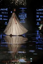 Ananya Pandey walks for Anushree Reddy at LFW 2019 on 24th Aug 2019  (33)_5d6389d4e7646.JPG