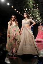 Ananya Pandey walks for Anushree Reddy at LFW 2019 on 24th Aug 2019  (51)_5d638a244315c.JPG