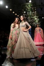 Ananya Pandey walks for Anushree Reddy at LFW 2019 on 24th Aug 2019  (52)_5d638a2813d9b.JPG