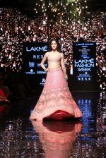 Ananya Pandey walks for Arpita Mehta at LFW 2019 on 24th Aug 2019  (10)_5d638a5f438b5.JPG