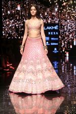 Ananya Pandey walks for Arpita Mehta at LFW 2019 on 24th Aug 2019  (22)_5d638a7772f6d.JPG