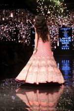 Ananya Pandey walks for Arpita Mehta at LFW 2019 on 24th Aug 2019  (26)_5d638a81b2686.JPG