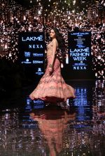 Ananya Pandey walks for Arpita Mehta at LFW 2019 on 24th Aug 2019  (30)_5d638a89569bd.JPG