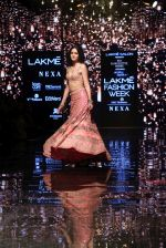 Ananya Pandey walks for Arpita Mehta at LFW 2019 on 24th Aug 2019  (31)_5d638a8b5890a.JPG