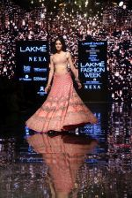 Ananya Pandey walks for Arpita Mehta at LFW 2019 on 24th Aug 2019  (32)_5d638a8d7886c.JPG