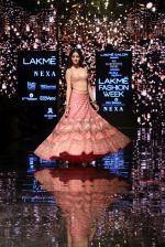 Ananya Pandey walks for Arpita Mehta at LFW 2019 on 24th Aug 2019  (33)_5d638a8f96f5f.JPG