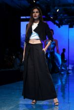 At lakme fashion week 2019 Day 4 on 25th Aug 2019 (14)_5d6391bf4c690.JPG