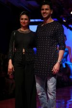 Divyanka Tripathi At lakme fashion week 2019 Day 4 on 25th Aug 2019 (64)_5d639219c1741.JPG