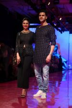 Divyanka Tripathi At lakme fashion week 2019 Day 4 on 25th Aug 2019 (67)_5d63922c49bdc.JPG