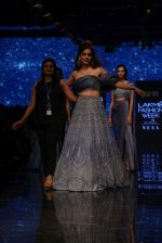 Kangana Ranaut walk the ramp for Disha Patil At lakme fashion week 2019 on 25th Aug 2019 (103)_5d639217821f9.JPG
