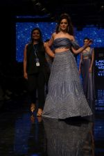 Kangana Ranaut walk the ramp for Disha Patil At lakme fashion week 2019 on 25th Aug 2019 (107)_5d639230992e7.JPG
