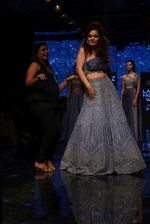 Kangana Ranaut walk the ramp for Disha Patil At lakme fashion week 2019 on 25th Aug 2019 (120)_5d6392605b3ba.JPG