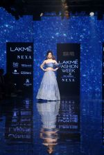 Kangana Ranaut walk the ramp for Disha Patil At lakme fashion week 2019 on 25th Aug 2019 (65)_5d63917e5cbbc.JPG