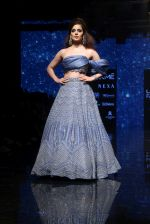 Kangana Ranaut walk the ramp for Disha Patil At lakme fashion week 2019 on 25th Aug 2019 (71)_5d63918ddd6ea.JPG