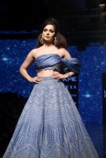 Kangana Ranaut walk the ramp for Disha Patil At lakme fashion week 2019 on 25th Aug 2019 (72)_5d63919263500.JPG
