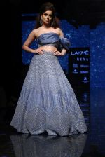 Kangana Ranaut walk the ramp for Disha Patil At lakme fashion week 2019 on 25th Aug 2019 (75)_5d639199cc334.JPG