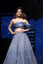 Kangana Ranaut walk the ramp for Disha Patil At lakme fashion week 2019 on 25th Aug 2019 (76)_5d63919c68e8b.JPG
