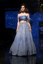 Kangana Ranaut walk the ramp for Disha Patil At lakme fashion week 2019 on 25th Aug 2019 (78)_5d6391a1a70f1.JPG