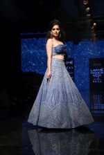 Kangana Ranaut walk the ramp for Disha Patil At lakme fashion week 2019 on 25th Aug 2019 (79)_5d6391a4d46af.JPG