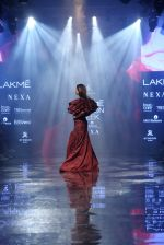 Malaika Arora walk the ramp at lakme fashion week 2019 on 25th Aug 2019 (34)_5d63923859f34.JPG