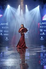 Malaika Arora walk the ramp at lakme fashion week 2019 on 25th Aug 2019 (35)_5d63923e2ce9a.JPG