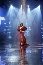 Malaika Arora walk the ramp at lakme fashion week 2019 on 25th Aug 2019 (37)_5d6392465ab2c.JPG