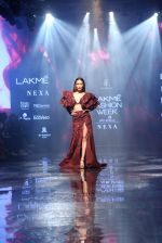 Malaika Arora walk the ramp at lakme fashion week 2019 on 25th Aug 2019 (39)_5d63924d993ae.JPG
