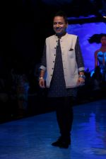 kailash Kher At lakme fashion week 2019 Day 4 on 25th Aug 2019 (35)_5d639229666c1.JPG